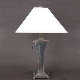 Tischlampe Curve mit Leinen Lampenschirm