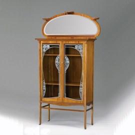 Art Nouveau Vitrine Ornament