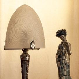 Französisch Art Deco Tischlampe Kuppel Blumen